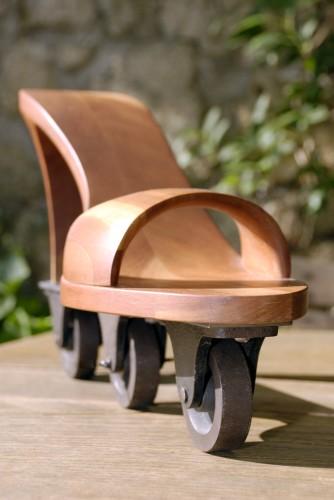 august schmitt sch ne dinge aus holz metall und stein objekte. Black Bedroom Furniture Sets. Home Design Ideas